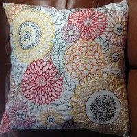 Embroidered pillow (downloadable pattern from www.connectingthreads.com)